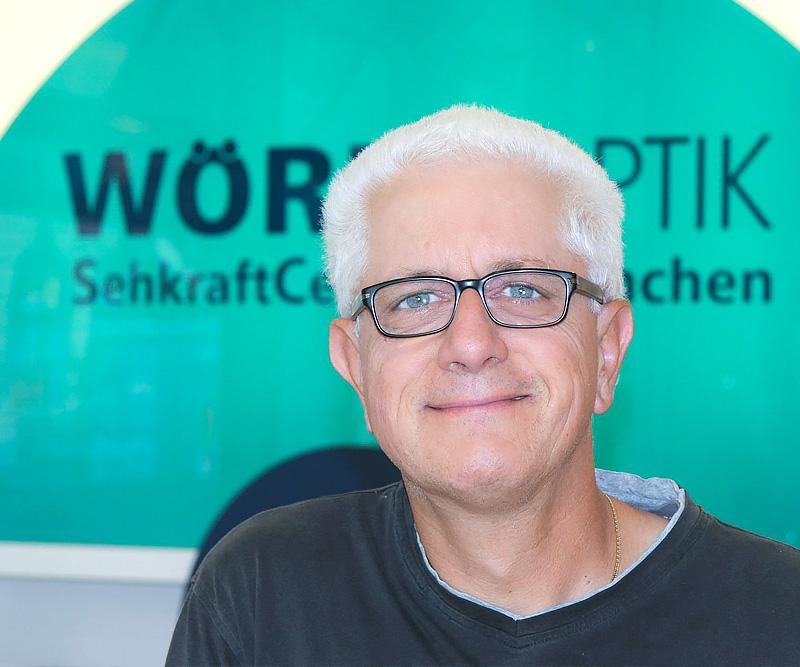 Gert-Schuster,-Abteilung-Werkstatt,-Augenoptiker.jpg